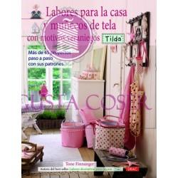 Labores para decorar la casa y munecos de tela con motivos veraniegos Tilda